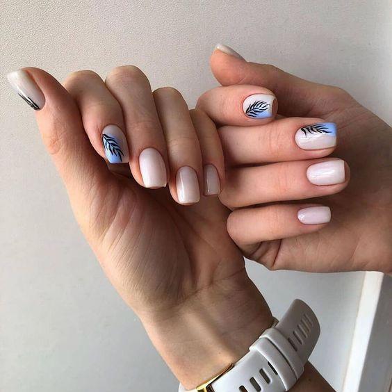 Jasne paznokcie na lato