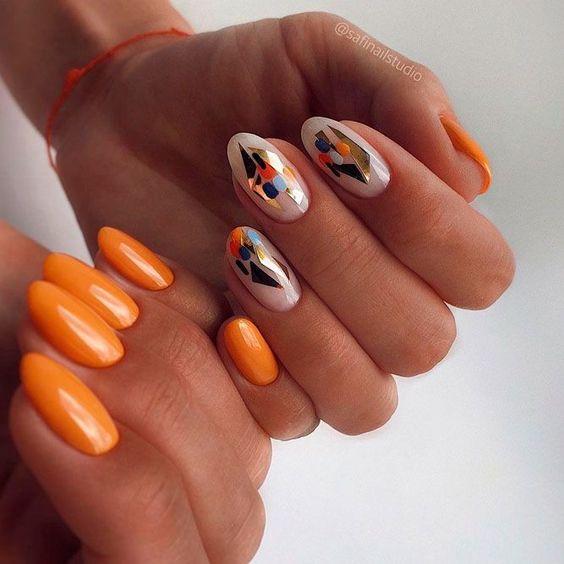 Letnie paznokcie w kolorze pomarańczowym
