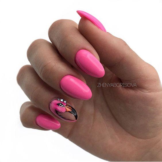 Malinowe paznokcie na lato