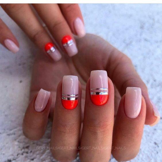 Naturalne paznokcie z wzorkami na wakacje