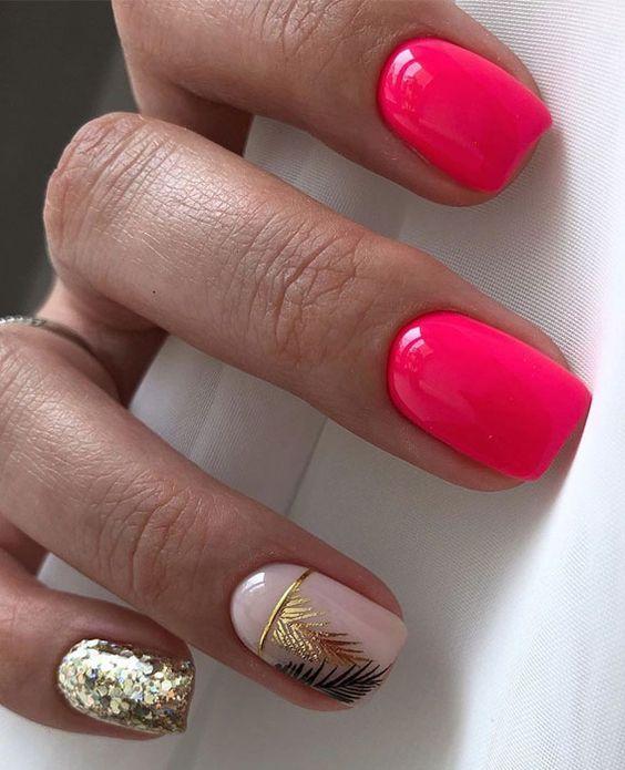 Neonowe malinowe paznokcie