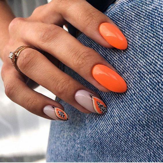 Pomarańczowe paznokcie na lato