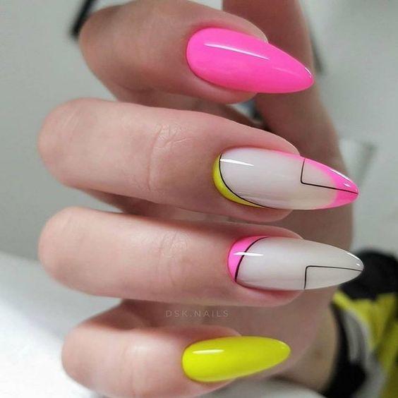 Różowo żółte paznokcie w jaskrawych odcieniach