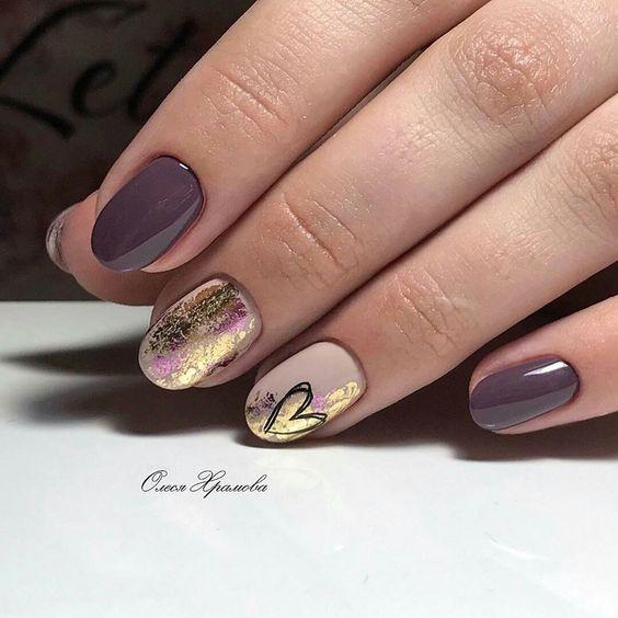 Jesienne paznokcie w kolorze fioletowym