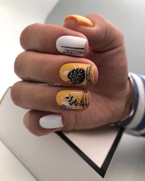 Jesienne paznokcie w kolorze musztardowym