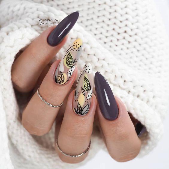 Jesienne paznokcie w kolorze szarym z wzorkami