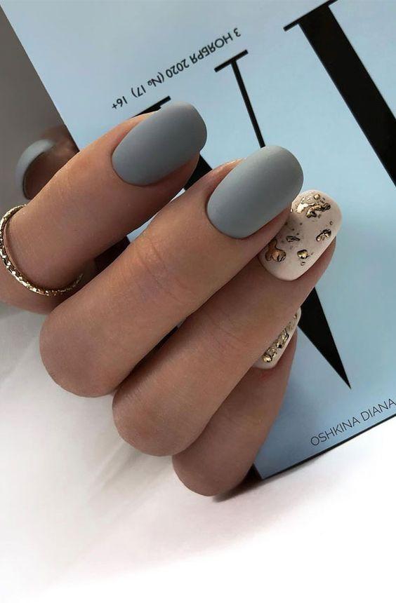 Jesienne paznokcie w kolorze szarym